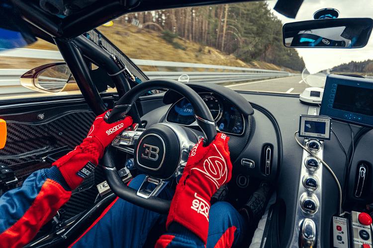 Bugatti Chiron Super Sport hon 74 ty dong dat van toc 440 km/h-Hinh-3
