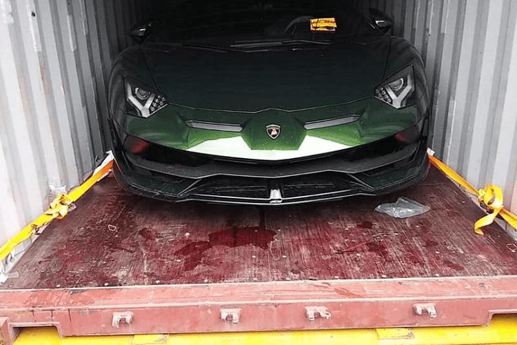 Dai gia lan dot bien Cu Chi tau Lamborghini Aventador SVJ