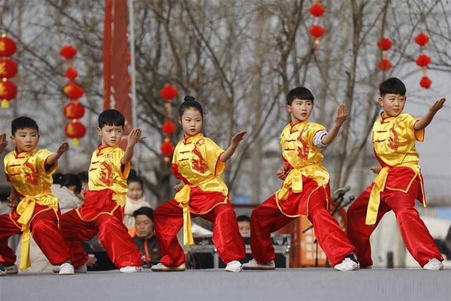 Hình ảnh biểu diễn văn hóa dân gian chào dón Tết Nguyên Đán ở Trung Quốc
