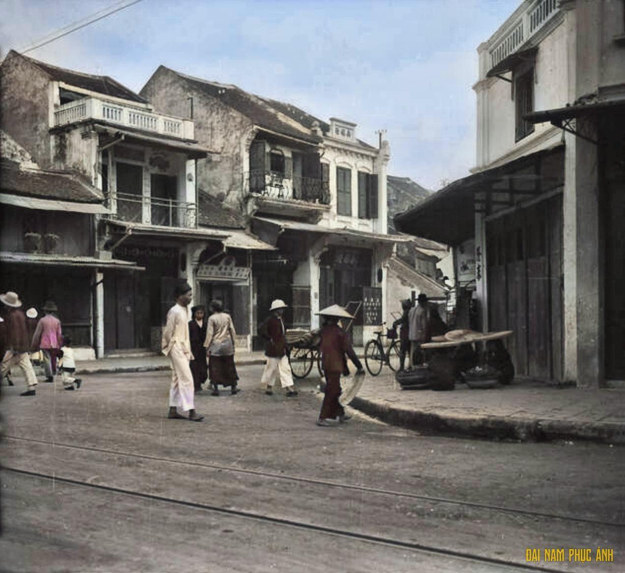 Hình ảnh phố phường Hà Nội xưa những ngày giáp Tết