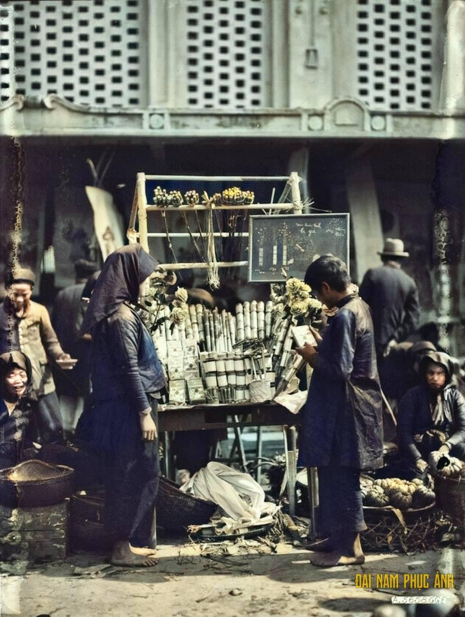 Hình ảnh quý hiếm về chợ Tết Hà Nội năm 1920
