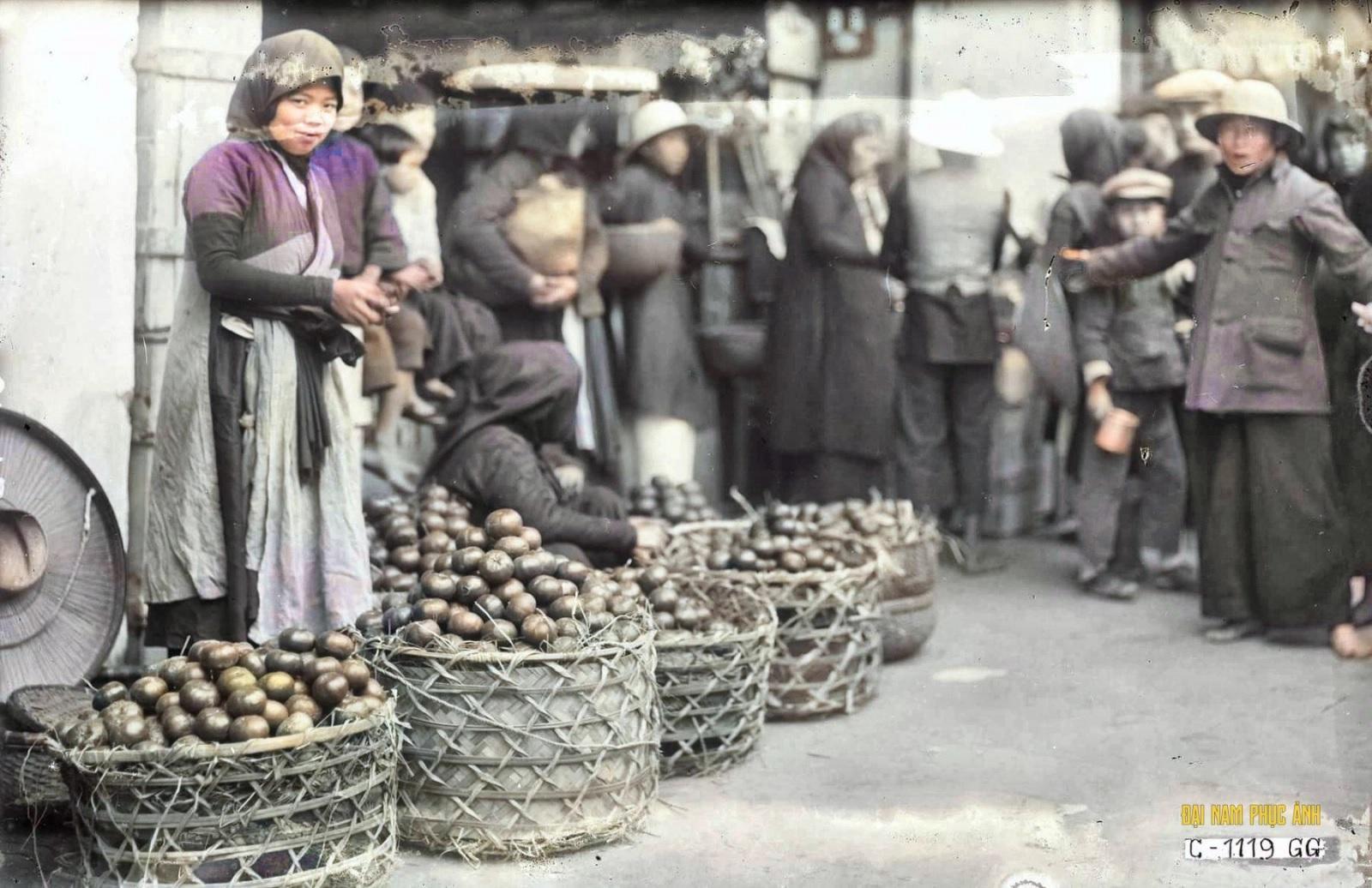 Hình ảnh quý hiếm về phiên chợ ngày Tết của người Hà Nội xưa