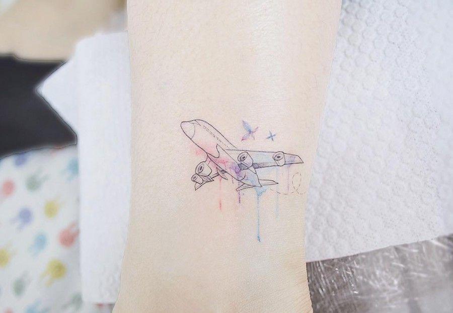 Hình xăm máy bay mini cho con gái