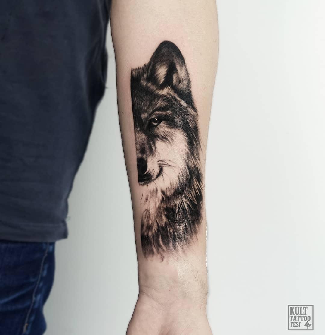 Hình xăm nửa mặt sói