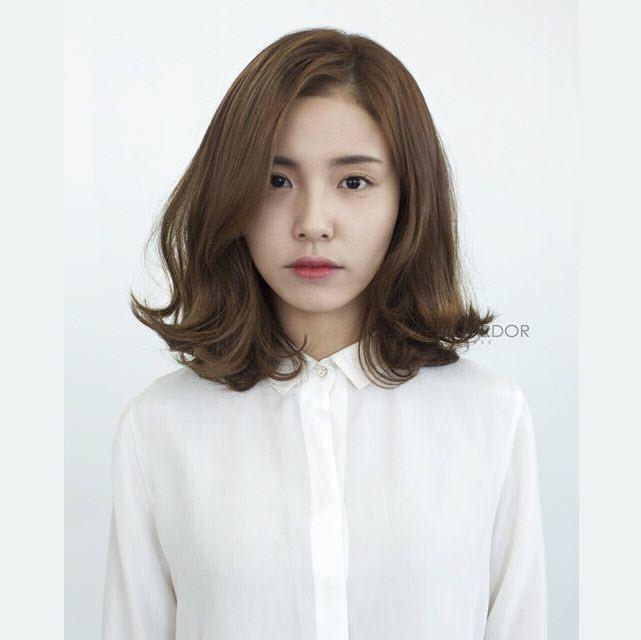 Kiểu tóc ngắn xoăn nhẹ