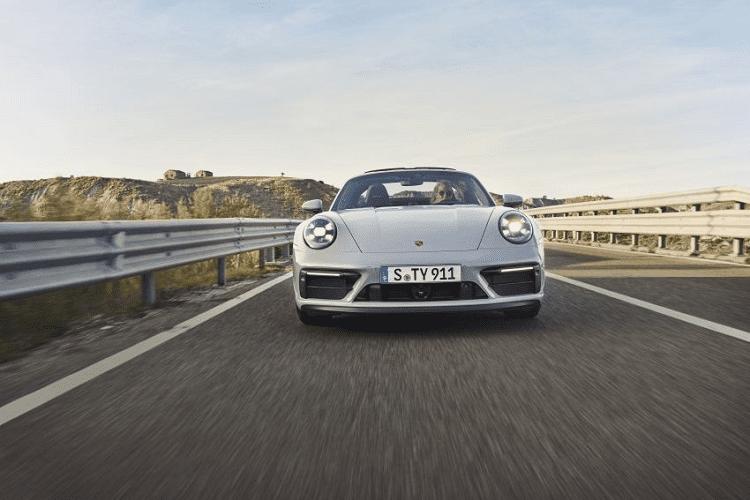 Porsche 911 GTS 2022 giam toi 25kg nho goi do Lightweight Design-Hinh-2
