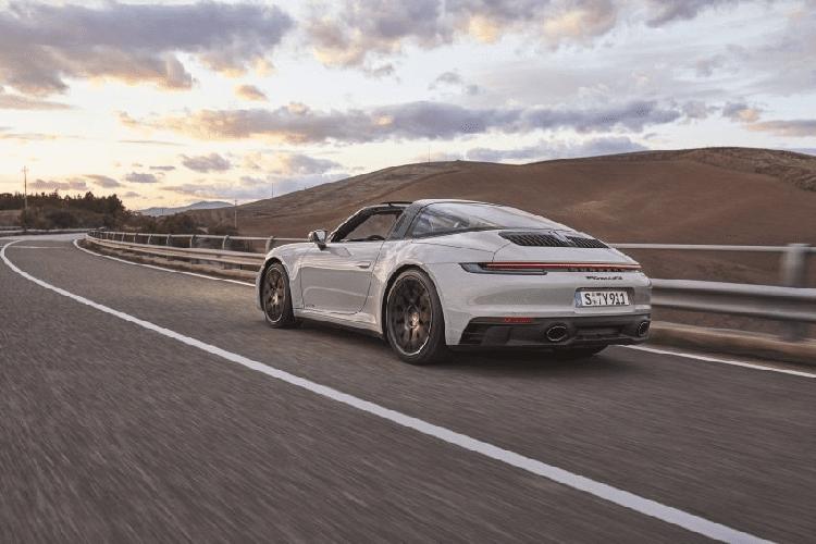 Porsche 911 GTS 2022 giam toi 25kg nho goi do Lightweight Design-Hinh-6
