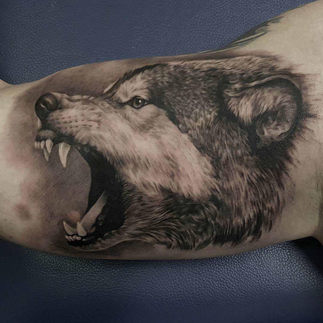 Tattoo sói