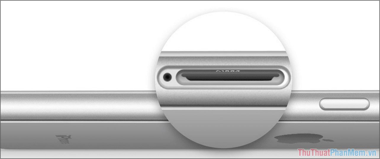 Tiến hành nghiêng máy để có thể nhìn được dòng Model Number được bắn laser bên trong
