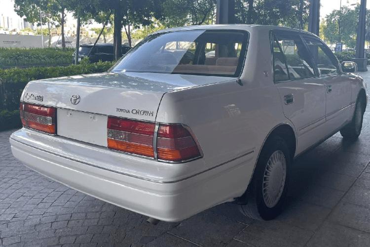 "Toyota Crown ""Bo truong"" chay 20 nam, ban 900 trieu tai Viet Nam-Hinh-7"