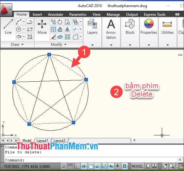 Click vào phần viền của hình ngũ giác và bấm phím Delete trên bàn phím để xóa hình ngũ giác bao quanh ngôi sao