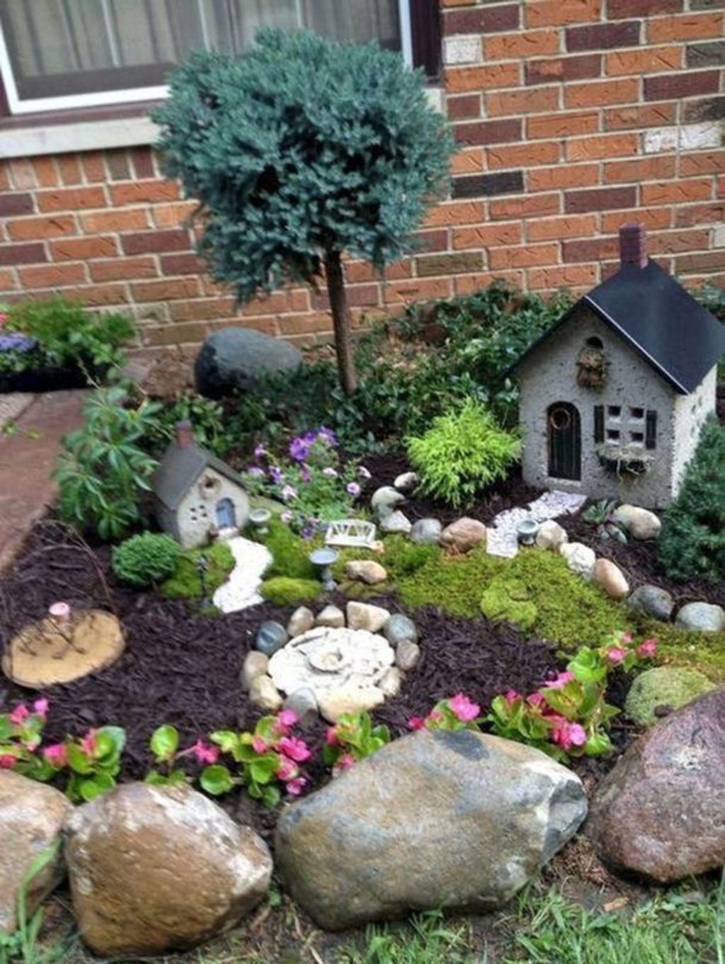 Hình ảnh góc sân vườn mini