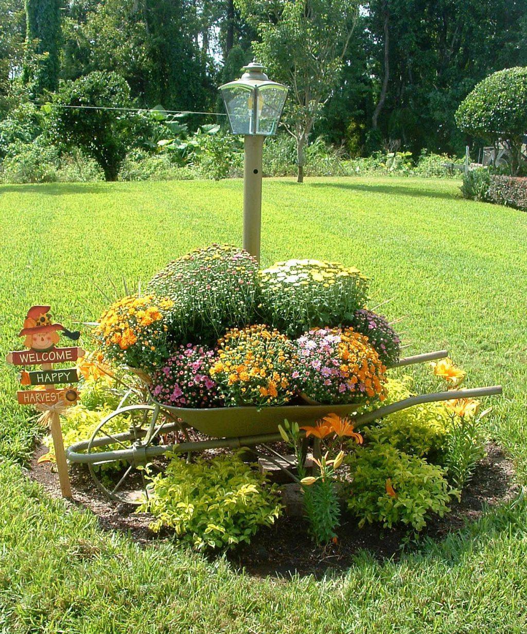 Hình ảnh tiểu cảnh sân vườn cây hoa