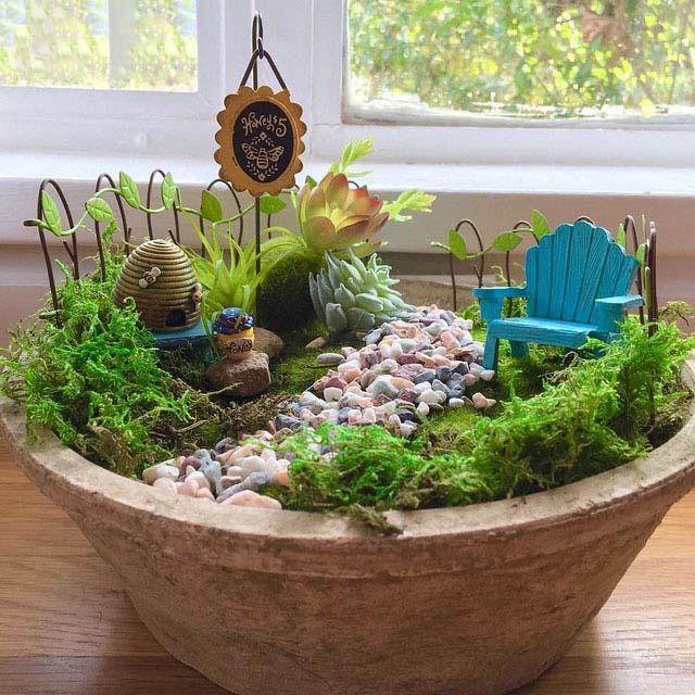 Hình ảnh tiểu cảnh sân vườn mini để bàn