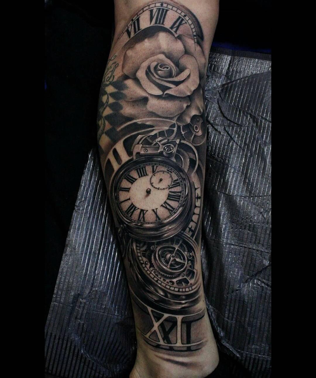 Hình xăm đồng hồ và bông hồng