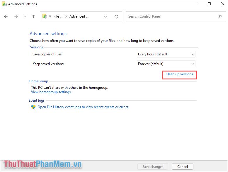 Chọn Clean up versions để bắt đầu xóa các phiên bản cập nhật cũ trước đây